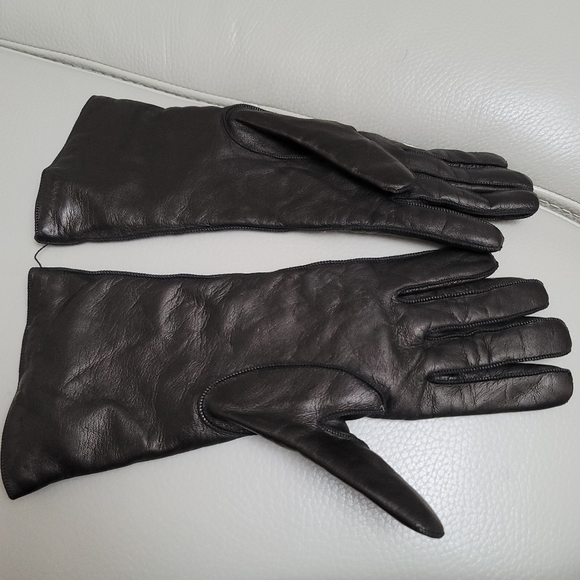 New  Coach 100%  leather gloves
